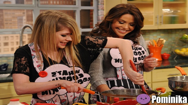 avril-lavin-cooking